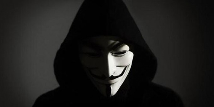 Anonymous sfida il governo italiano